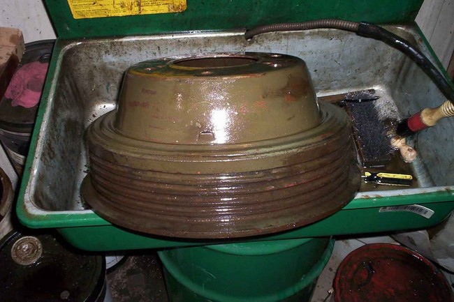cleaning_brake_drums03a