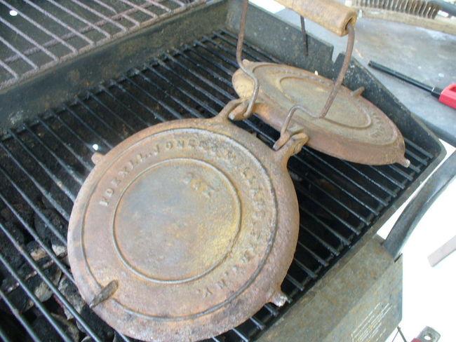 Cast_iron_Waffle_Iron_011.jpg