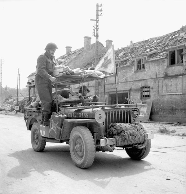 1944_france_ambulance