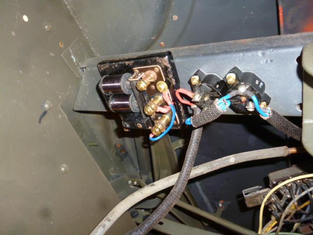 969_Under_dash_Circuit_Breakers_and_Buzzer_f