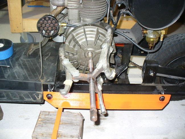 Pulling flywheel