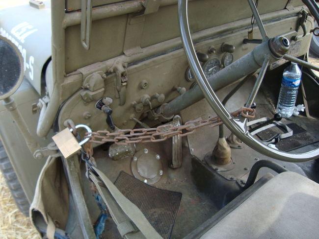 Jeep ford gpa jeep ford gpw jeep willys ma jeep willys mb jeep hotchkiss m201 jeep - Porte sur le feu et jete dedans ...