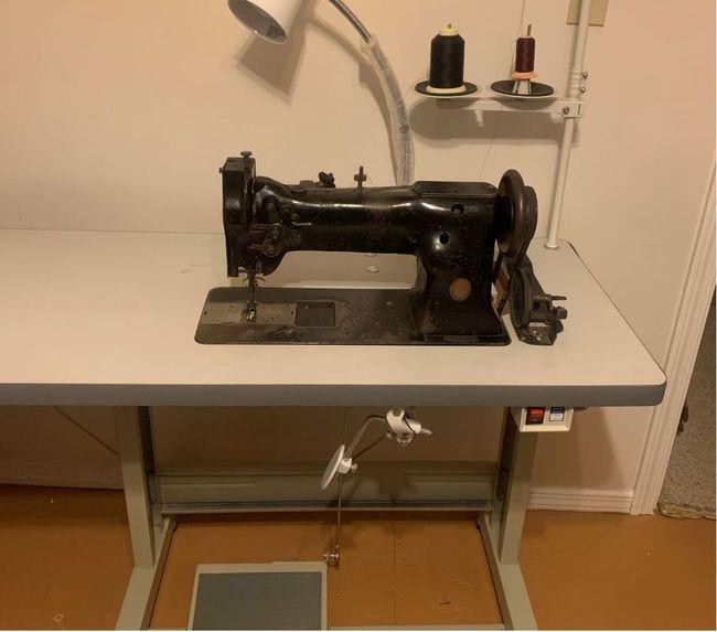 Sewing_Machine_1