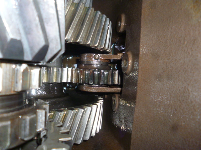 969_Gearbox_PTO_adaptor_gears_viewed_from_inside_of_the_box_1_2016