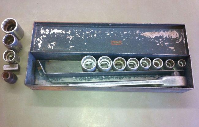 Indestro/ D-I socket set