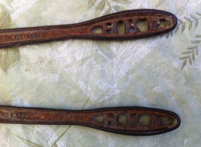 Bolt cutter handle detail