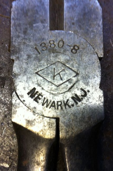 Kraeuter lineman's pliers
