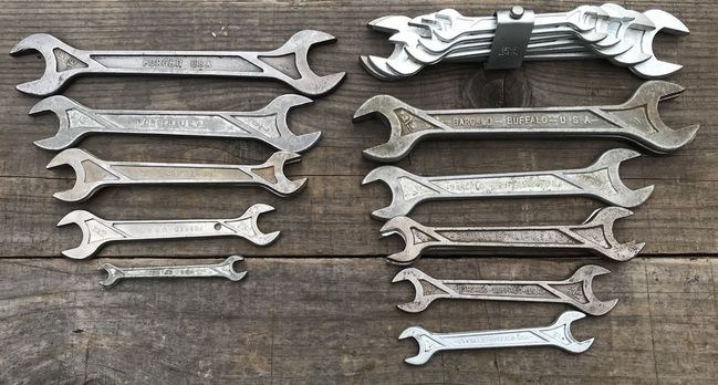 Barcalo marked and unmarked geometric pattern wrenches
