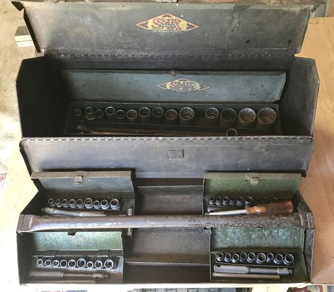 Added wartime tools to the carry box