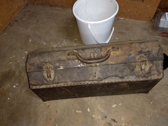 S-K wartime carry box