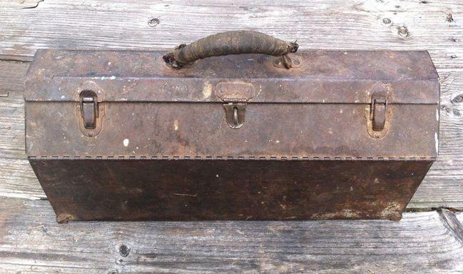 Dunlap hip roof toolbox