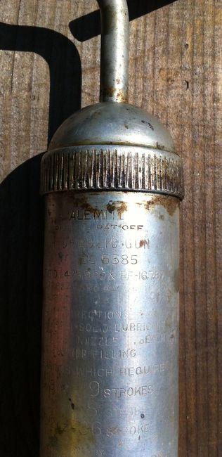 Alemite 5585 grease gun markings