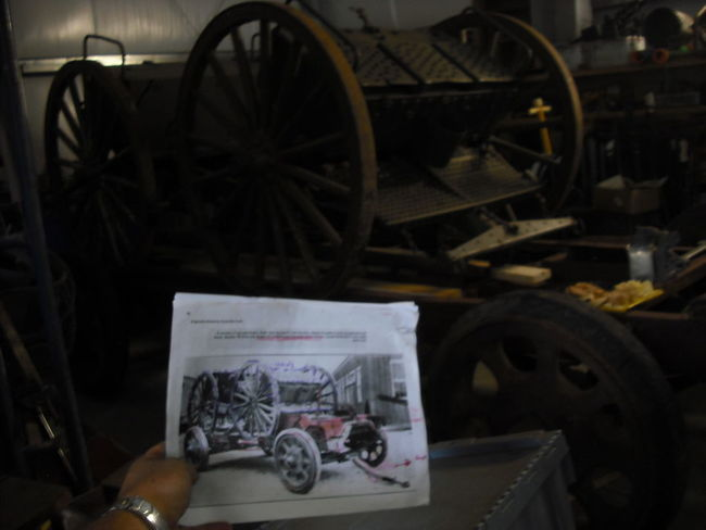 just like original photo of 1918 3 Ton trailer with M1902 Caisson and Limbe