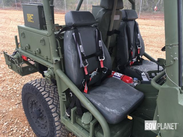 M1163_Seat_Harness_View