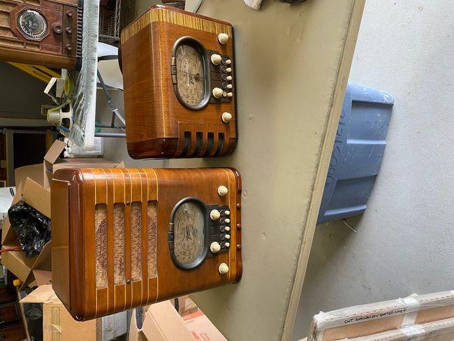 1939_Zenith_Racetrack_dial_radios