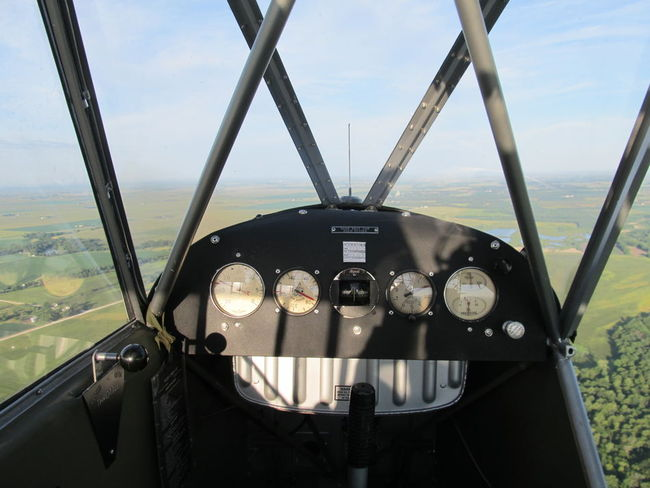2013_08_07_001_L4_panel_flying