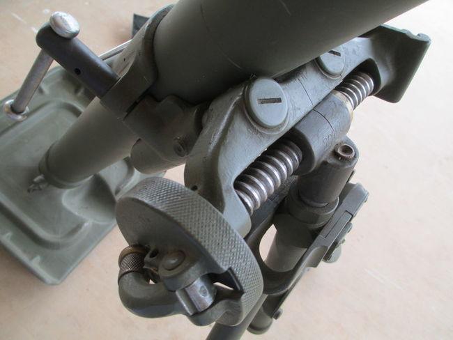 60MM_M2_Mortar_traverse_mech