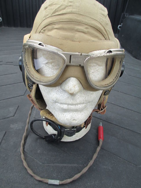 AAF_770th_BS_Hell_Birds_flight_helmet