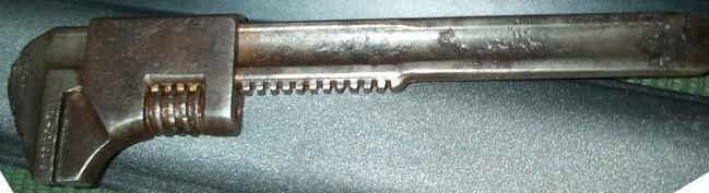 B-B_tirespoon_monkey_wrench