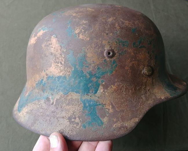 Camouflage_German_M35_Helmet_right_side
