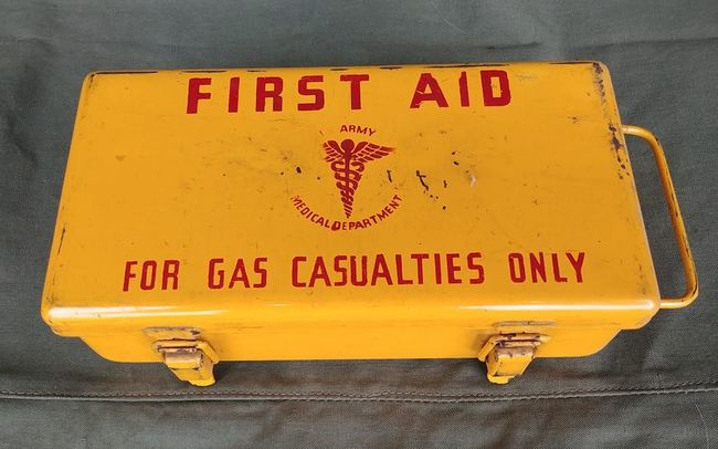 Gas_Casualties_Yellow_Kit_2_Clasp