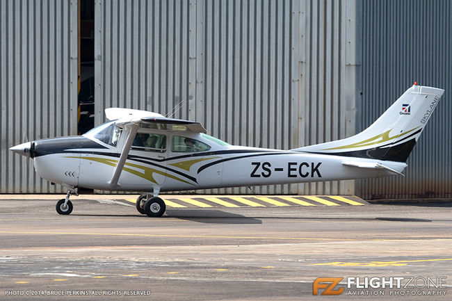 Cessna 182 Skylane ZS-ECK Grand Central Airport FAGC