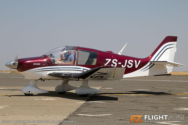Robin DR400 ZS-JSV Rand Airport FAGM