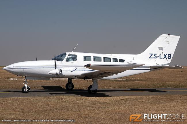 Cessna 402B ZS-LXB Rand Airport FAGM 402