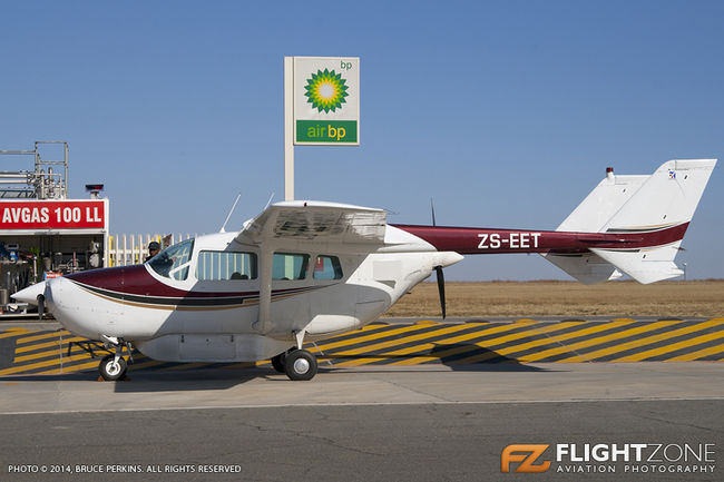 Cessna 337 Skymaster ZS-EET Rand Airport FAGM