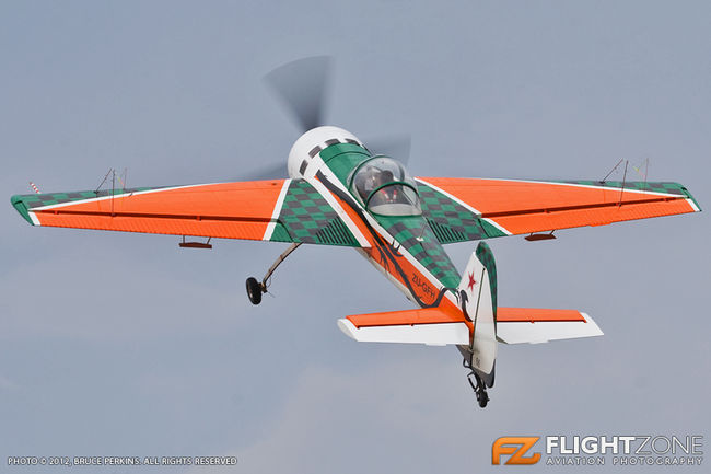 Yak-55 ZU-GFH Vereeniging Airfield FAVV Neville Ferriera