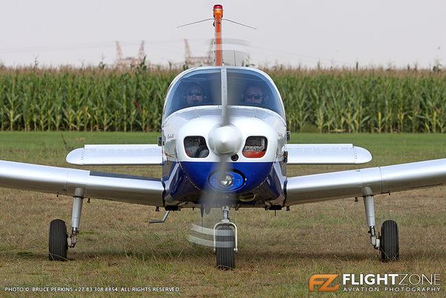 Piper PA-28-140 Cherokee ZS-EOZ Petit Airfield FARA