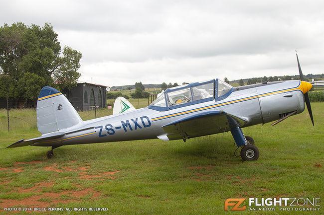 De Havilland DHC-1 Chipmunk ZS-MXD Circus Airfield