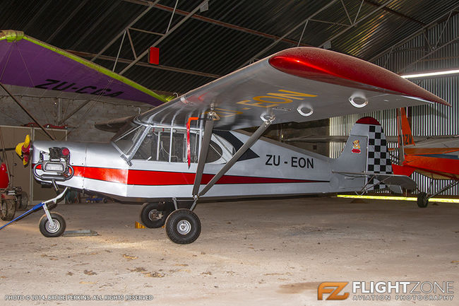 Cubby ZU-EON Circus Airfield