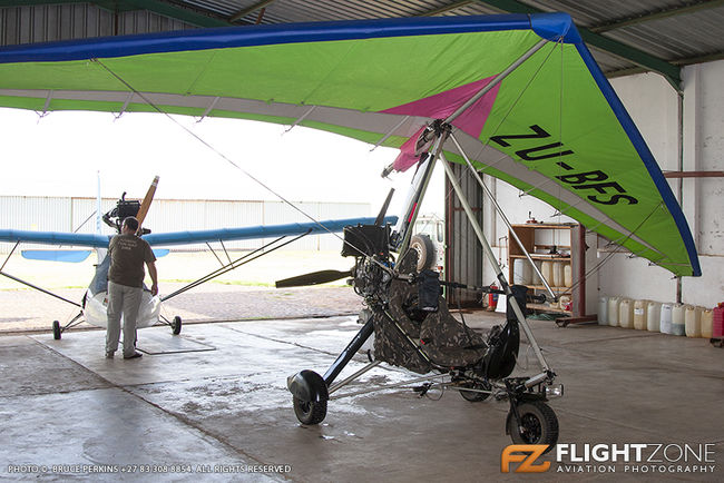 Rainbow Aerotrike Spirit II ZU-BFS Petit Airfield FARA