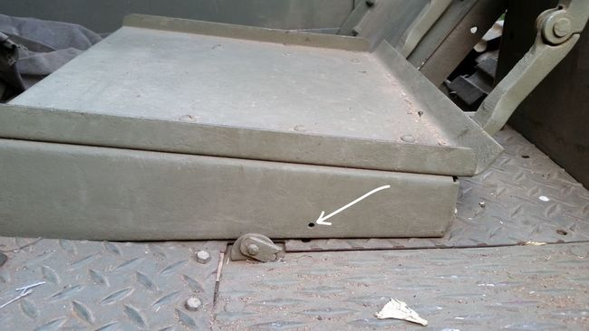 Seat_bracket_hole
