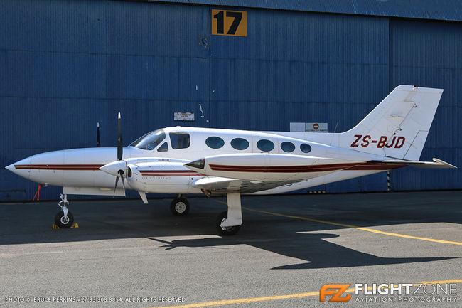 Cessna 421 Golden Eagle ZS-BJD Rand Airport FAGM 421B