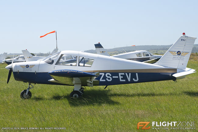 Piper PA-28 Cherokee ZS-EVJ Port Alfred Airfield FAPA 43 Air School