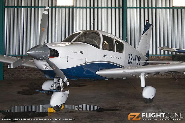 Piper PA-28 Cherokee ZS-KOB Vereeniging Airfield FAVV