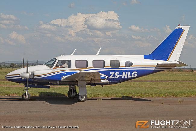 Piper PA-31 Navajo ZS-NLG Vereeniging Airfield FAVV