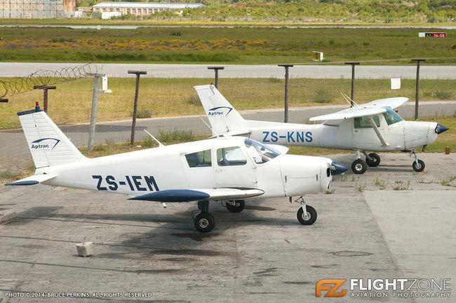 Piper PA-28 Cherokee ZS-IEM Cessna 152 ZS-KNS Port Elizabeth FAPE