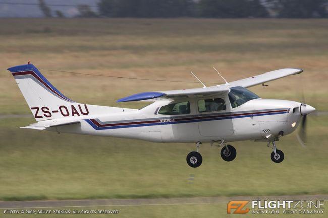 Cessna 210 Centurion ZS-OAU Rand Airport FAGM