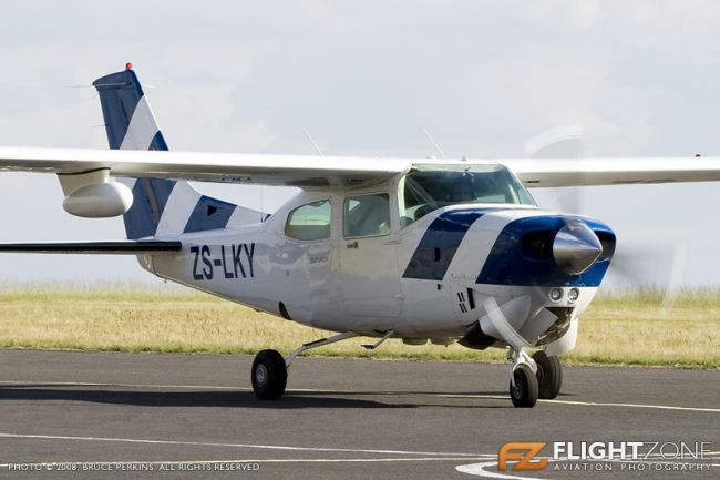 Cessna 210 Centurion ZS-LKY Rand Airport FAGM T210R 210R