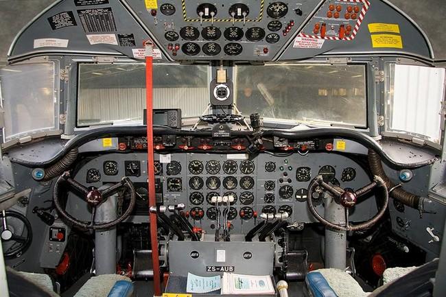 Douglas DC-4 C-54 Skymaster ZS-AUB Rand Airport FAGM